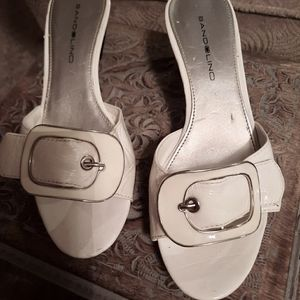 Bandolino White Leather Mules